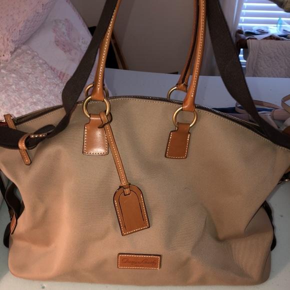Dooney & Bourke Handbags - Dooney and Bourke oversized bag